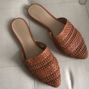 NEVER WORN brown woven mules